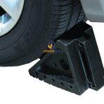 Cục chặn bánh xe ô tô